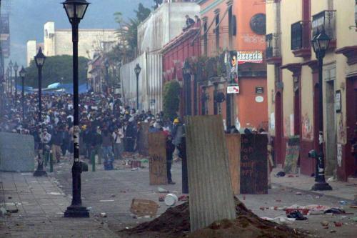 9.-Batalla 25noviembre 2006-APPO es vencida