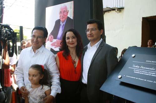 Placa Rubén Vasconcelos.