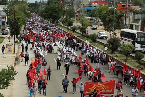 Magisterio-Tras paro-levantan plantón en Oaxaca.2