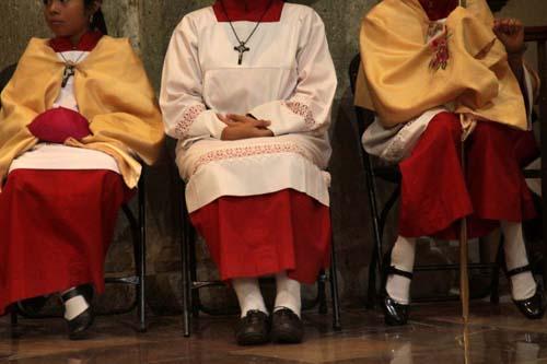 Arzobispo-Misa Catedral.2