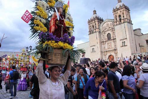 Desfile delegaciones-Guelaguetza-Oax.1