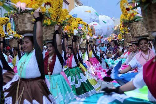 Desfile delegaciones-Guelaguetza-Oax.4