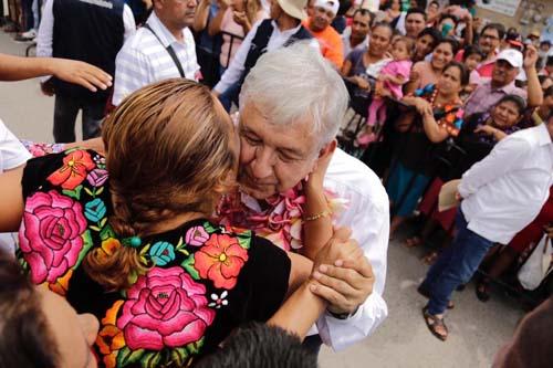 Gira de agradecimiento-Obrador.4